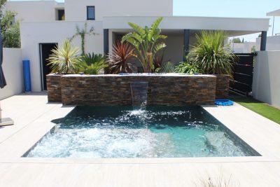 Construcció de piscina, spa, terrassa i font d'aigua