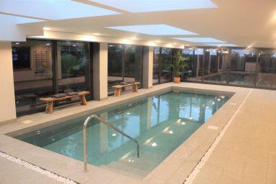 Construcción de piscina interior