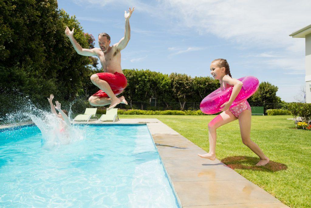 91422 1024x683 - Algunos factores que alteran la calidad del agua de tu piscina